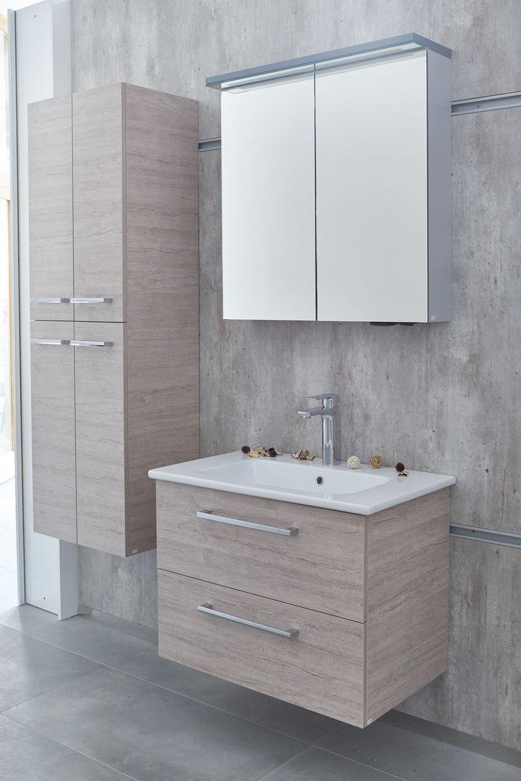 Koupelnová skříňka s umyvadlem a závěsná skříňka do koupelny se dvířky Dřevojas - Showroom Svitavy