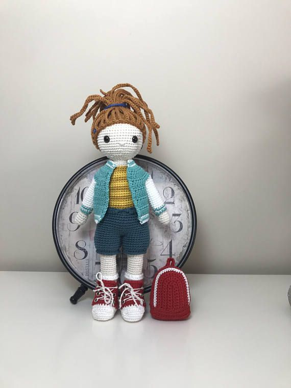 Hey, I found this really awesome Etsy listing at https://www.etsy.com/listing/552974726/college-girl-amigurumi-pattern