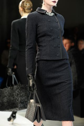 Bottega Veneta Fall 2012 Ready-to-Wear Collection. Black crepe wool suit.