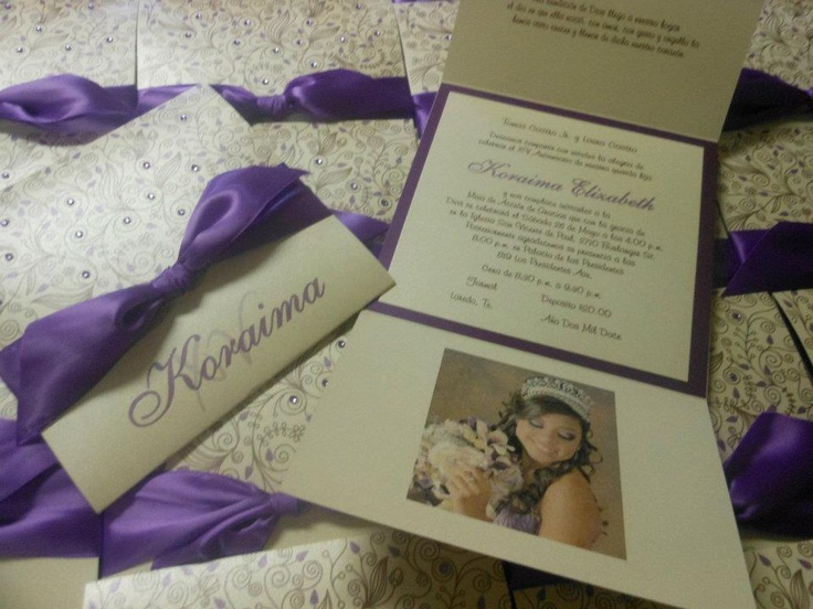 Purple + White Quinceañera invitaciones/invitations with picture. |Milenio Invitaciones