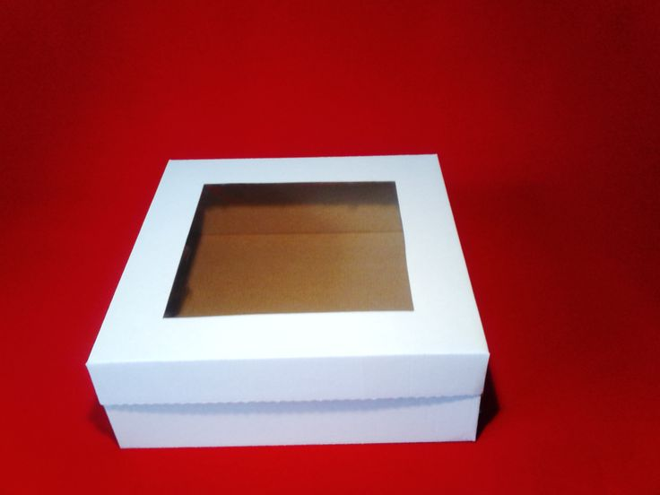 Krabica vyrobená z pevnej vlnitej lepenky. Vďaka priehľadnému viečku je vidieť vzhľad a kvalitu daného výrobku. Rozmer krabice je 28*28*10cm, rozmer okienka 19*19cm