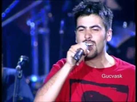 ▶ Estopa - Partiendo la pana (Concierto en Las Ventas) (letra) - YouTube