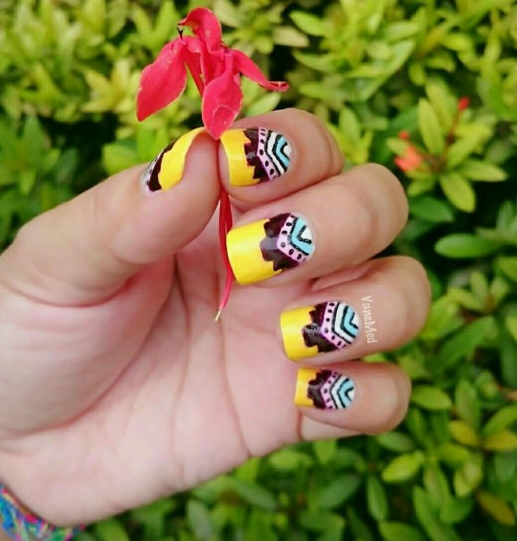 Mis uñitas étnicas #nail #art #étnico #amarillo #colors