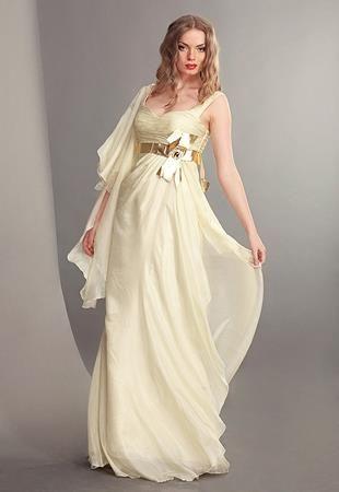 При широких плечах нужно платье с пышной юбкой