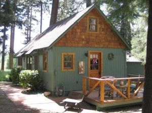 600 Square Foot Wildflower Cabin - (tinyhousetalk)