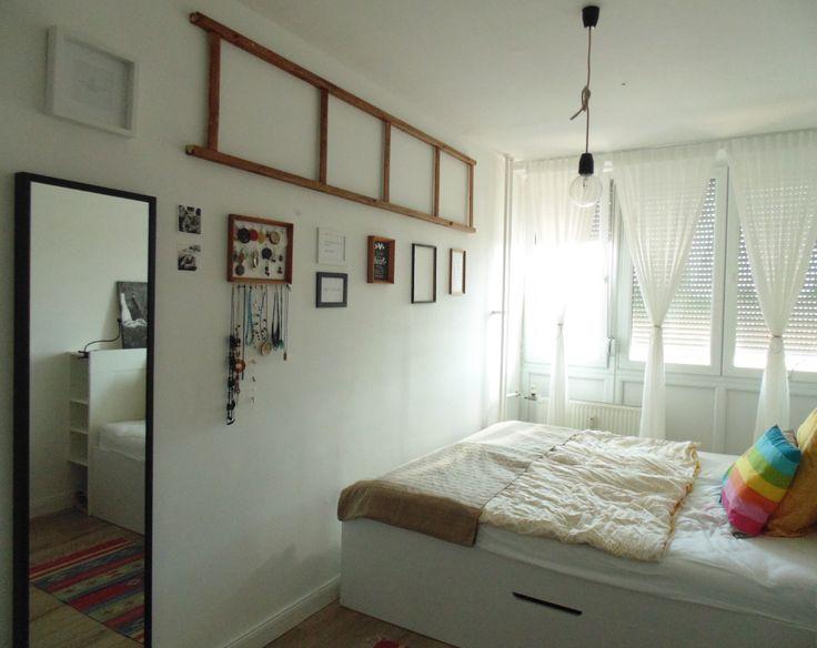 Scandinavian bedroom from Budapest by Monika Tobias. http://doitmonly.blog.hu