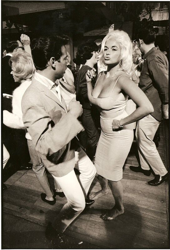Jayne Mansfield dancing barefoot @ the Whiskey A Go-Go in Hollywood, circa 1964
