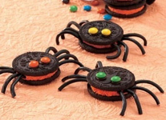 Oreo Halloween Spider Cookies (with black string licorice legs and mini m&m eyes attached with frosting)