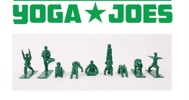 Yoga Joes: las clásicas figuritas verdes del ejército haciendo yoga