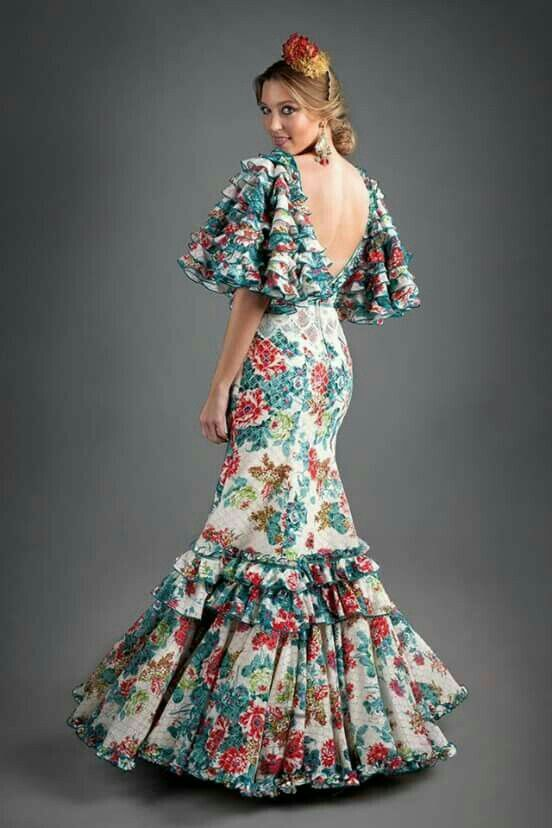 Vestido flamenca estampado. Mangas  originales.