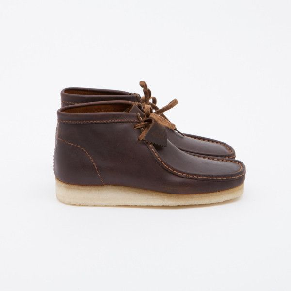 Beeswax Wallabee Boot (1 100 SEK) ❤ liked on Polyvore featuring men's fashion, men's shoes, men's boots, mens lace up boots, mens lace up shoes, mens moccasin boots and mens moccasins shoes