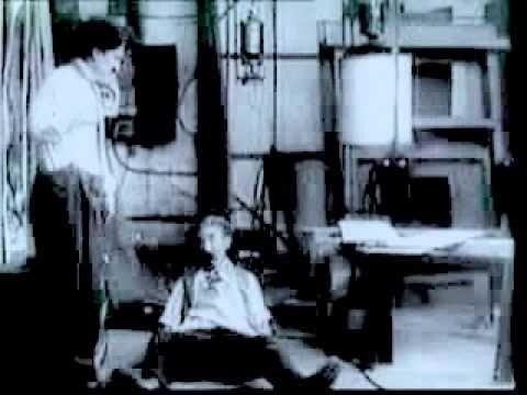 Charlie Chaplin's His New Job http://youtu.be/ab73L0DD3aM Voici un film de Charlott retouché par Modson Djivah de Tulear / Madagscar. Thanks for watching. #yoga #yogavideos #yogaworkout