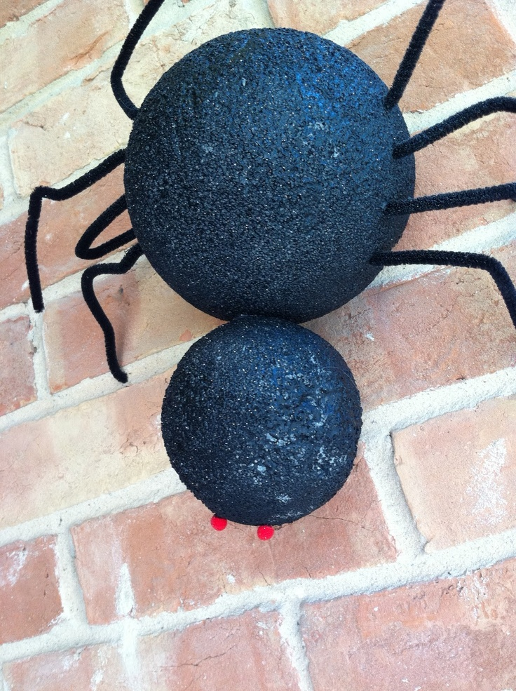 Want to get Crafty?: Repost: Halloween Outdoor Spiders