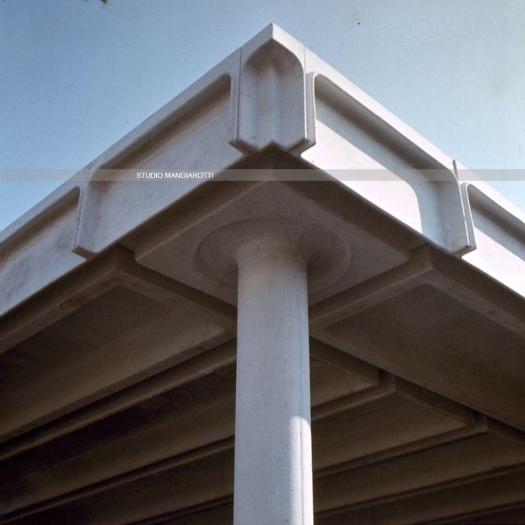 17 migliori idee su edifici per uffici su pinterest for Piano di progettazione di edifici commerciali