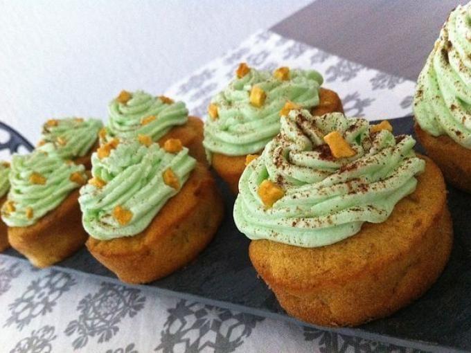 Quand on croque une bouchée avec la crème, huuuumm c'est tellement bon :-) - Recette Dessert : Cupcakes pomme cannelle par Micheline06