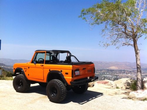 Classic Ford bronco. I drove one of these in the oil patch back in the early '80s.  Well I drove one back in 'Nam. -HJS