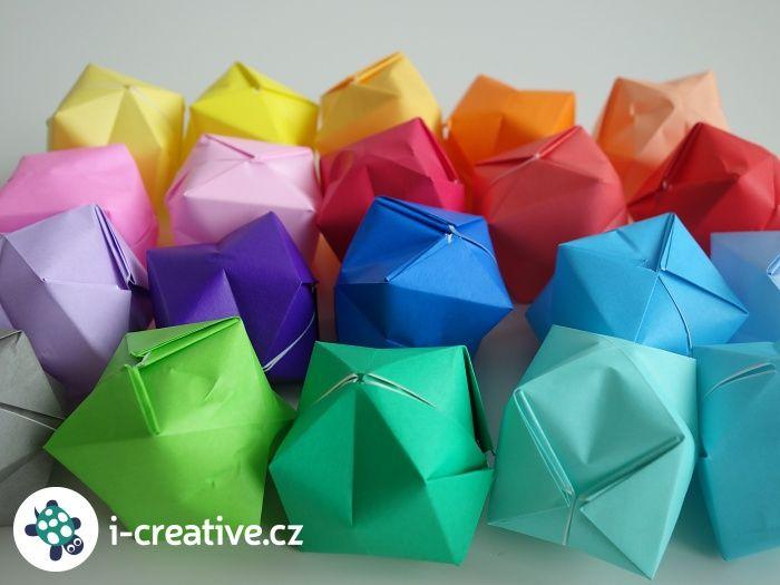 Složte si ze čtverce papíru podle video návodu krok za krokem origami nafukovací balónky.Napusťe do vytvořených balónků opatrně vodua užijte si na zahradě vodní bitvu :-) nebo je použijte na výrobu girlandy, která ozdobí a…