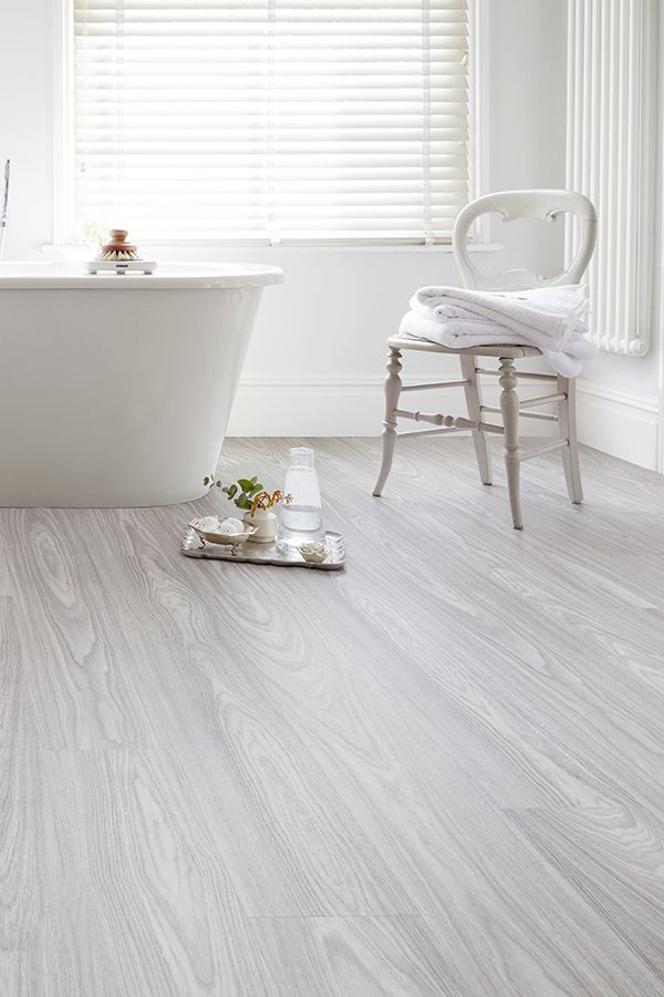 Spectra Pearl Grey Oak Plank Luxury Click Vinyl Flooring A Pale Grey Hue And A Soft Swirling Vinyl Flooring Vinyl Plank Flooring Bathroom Vinyl Wood Flooring