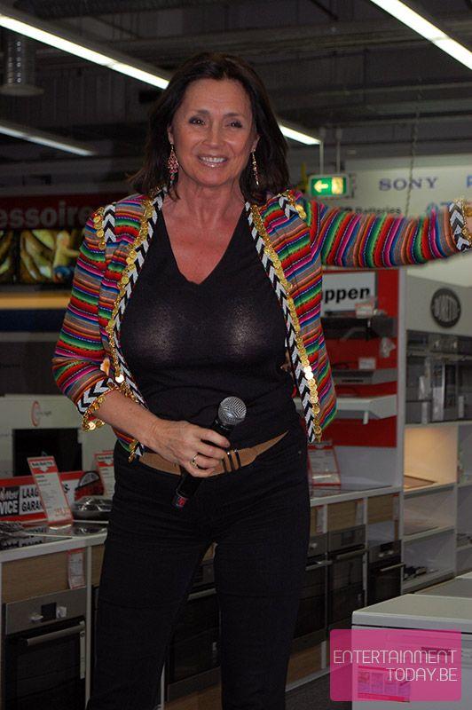 Wendy Van Wanten | vlaamse babes - Christmas sweaters ...