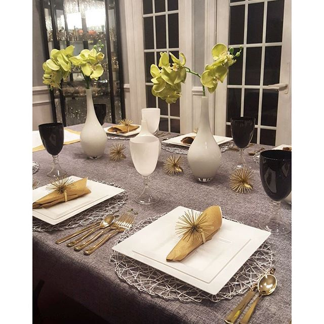 Party supplies at your fingertips with discount elegant plastic tableware and fancy disposable dinnerware for weddings and posh events.  sc 1 st  Pinterest & 10 best Tablescapes images on Pinterest | Tablescapes Table ...