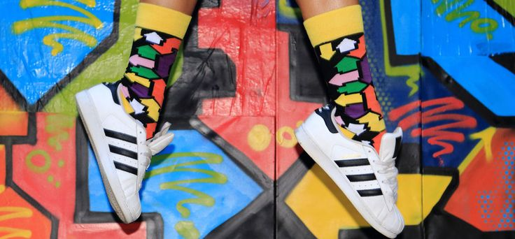 A few years ago Social Sock Club revealed the tendency to teach the socks that has soon spread to a wider audience. The sock has taken center stage in men's fashion, that's a fact, and now it has to take advantage of it.
