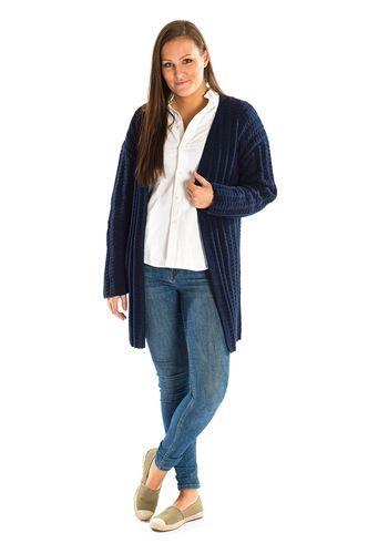 Flot og elegant lang jakke i ribmønster. Flot designet opskrift, som du kan hente helt gratis. [Strik, hækl, yarn, knitting, Mayflower Strikkegarn]