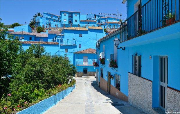 Júzcar, el pueblo de los pitufos #pitufos #juzcar #viajarconniños #unamamanovata ▲▲▲ www.unamamanovata.com ▲▲▲