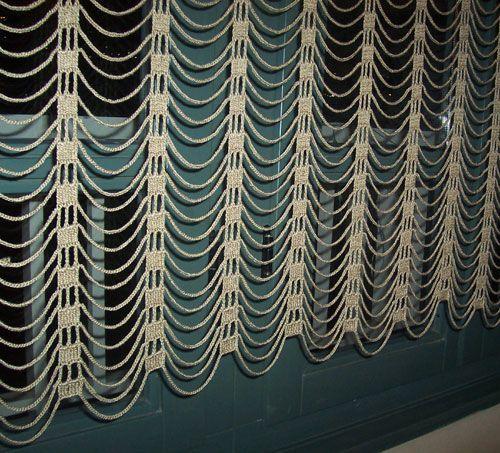 Easy and modern crochet curtain/ �ok %u015F%u0131k bir perde modeli danteller