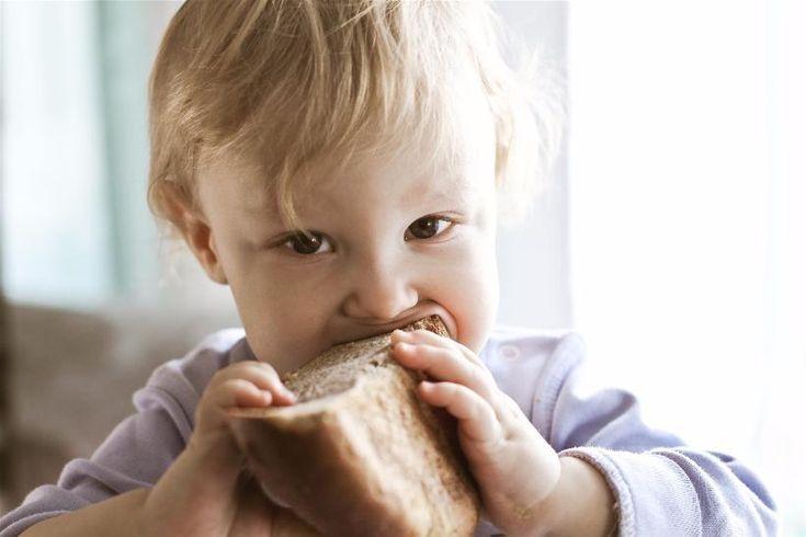 Пищевой рацион питания ребенка закладывает здоровье на всю следующую жизнь. Не рискуйте здоровьем ребенка - кормите его только натуральными хлебами