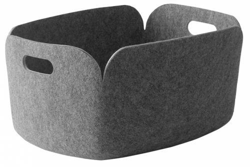 Restore oppbevaringskurv er designet av Mika Toivanen for Muuto. Kan f.eks brukes til magasiner eller leker.Materiale: Polymer filt. 35 cm x lengde 48 cm x høyde 23 cm.