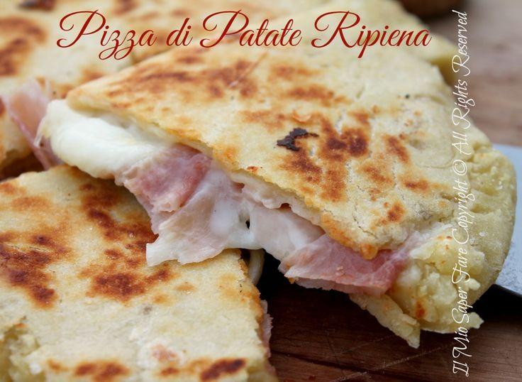 Pizza di patate in padella | Ricetta senza lievito per una pizza veloce e gustosa.La purea di patate è unita alla farina e impastata con un po' di olio evo