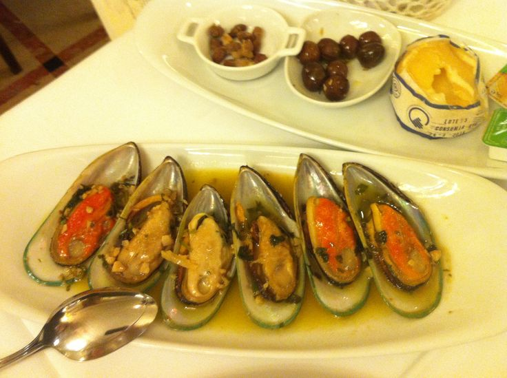 spiced muscles in Portugal