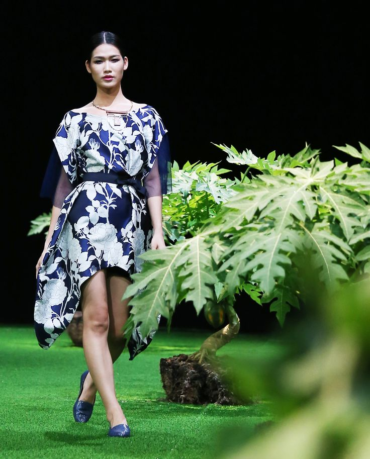 Vietnam Fashion Week SS17 - Ready to wear.       Designer: Nhi Hoàng   Photo: Cao Duy