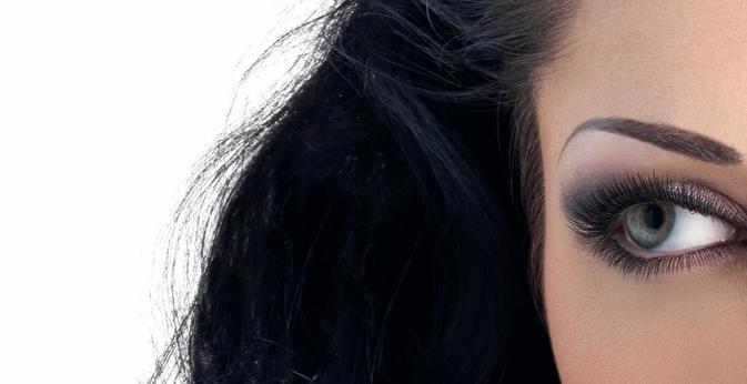 Il trucco permanente per gli occhi, denominato anche tecnica di micro pigmentazione, è un sistema molto simile a quello dei #tatuaggi. Ne parliamo in questo articolo.