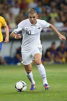 Karim Benzema Euro 2012 vs Sweden 01.jpg