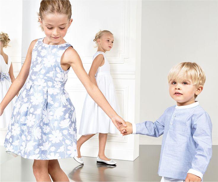 Robe jacquard de cérémonie Jacadi, bleu ciel à fleurs blanches pour petite fille. Chemise de bébé pour cérémonie bleue pastel pour petit garçon