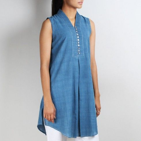 Sleeveless tunic with pleated collar Invert Box pleat (front2)