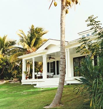 India Hicks' house: Dreams Home, Beaches House, Dream House, Dreams House, British Colonial Style, Chic Dress, India Hicks, Colonial Design, Front Porches