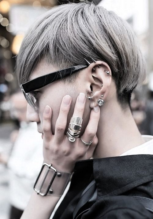 Grey undercut. Love the color