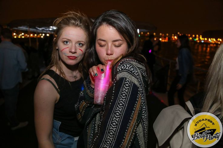 Glowsticks and facepaint MAKE a boat party!!!