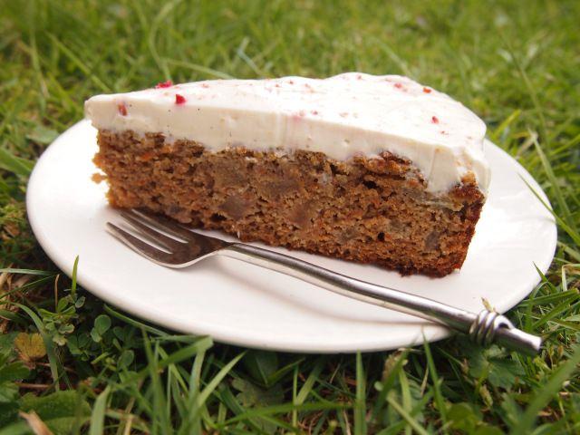 Spiced Carrot & Pear Cake #HungryCub