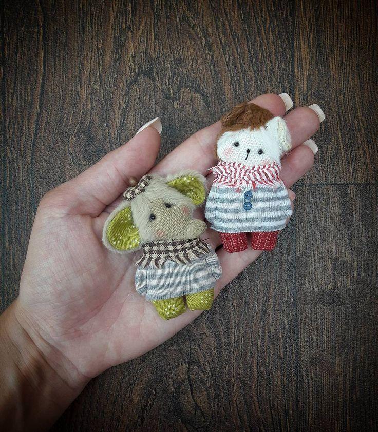 Слон и Моська Проданы. П.с. Чего-то броши меня затягивают постоянно и для больших игрушек нет времени #сумкожитель #брошь #илинеброшь #подарок #тримедведя #слон #собака