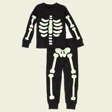 Fabrica un disfraz de esqueleto para halloween en menos de 30 minutos y con pocos materiales. ¡Es muy fácil!