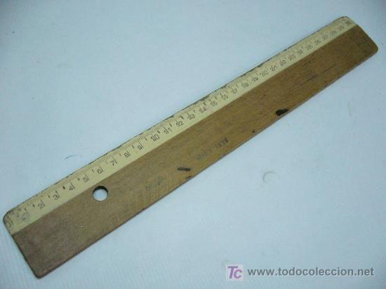 Regla de madera. Instrumento de castigo en escuelas