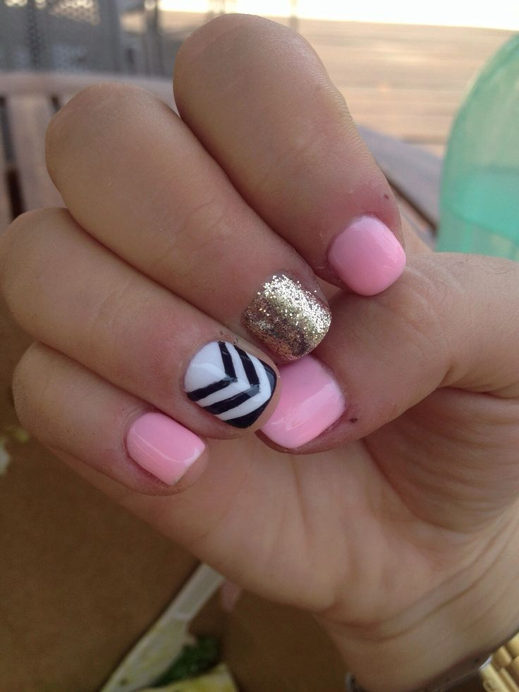 I wish my nails could look this cute!!!
