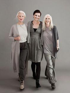 Lieben Sie die reifen Frauen, die in diesen wunderbaren Outfits #maturewomen #fusef heiß schauen …