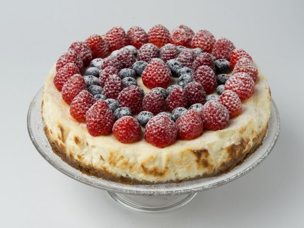 New York cheesecake met rode vruchten - Libelle Lekker!
