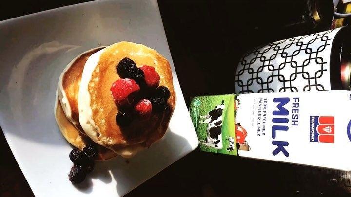 Spinevi S On Instagram Buttermilk Pancakes With Maple Syrup Simply Gunakan Tepung Pancake Mix Dan Buat Sesuai Petunjuk Kemasan Na Food Desserts Pudding