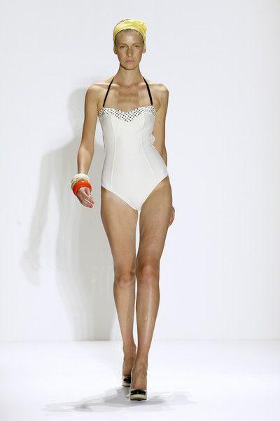 Rosa Cha at New York Fashion Week Spring 2010 - Runway Photos