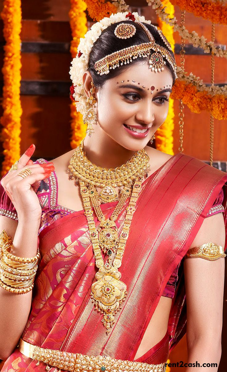 Beauty of a lady speaks about her personality & it made others fall in love with it. However, they are expensive, yet, they can rented easily. Rent2cash is a rental platform that can aid you to rent a bridal jewellery as per your dreams.